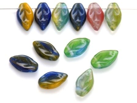 Glas-Blätter-Perlen 10x6 bunt