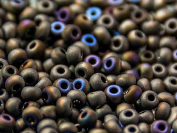 Rocailles 2,6mm schwarz matt Azuro