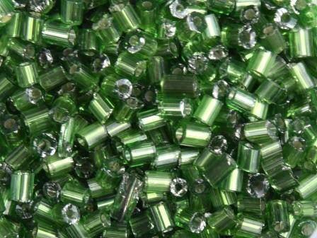 Glasstifte 11/0 2,2mm Silbereinzug Grün