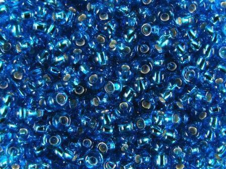 Rocailles 4mm 6/0 Silbereinzug capri blau